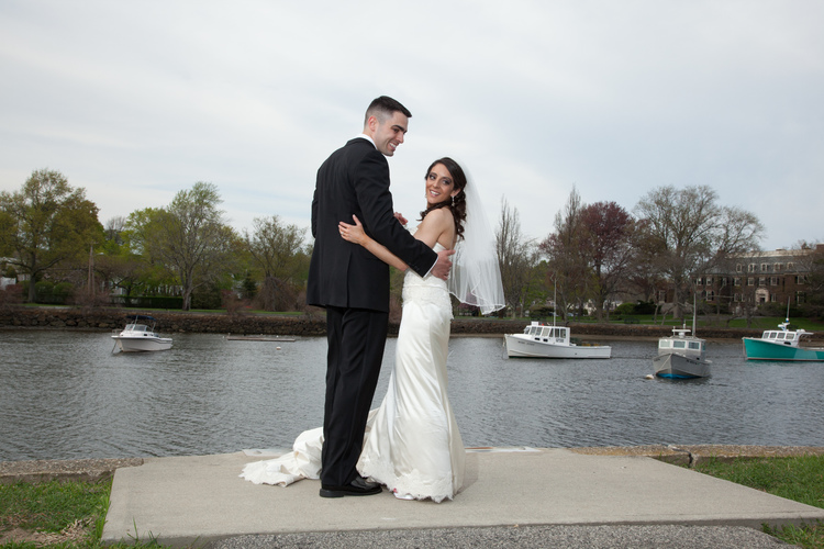 Nicole And Andrew Rhode Island Monthly S Engaged