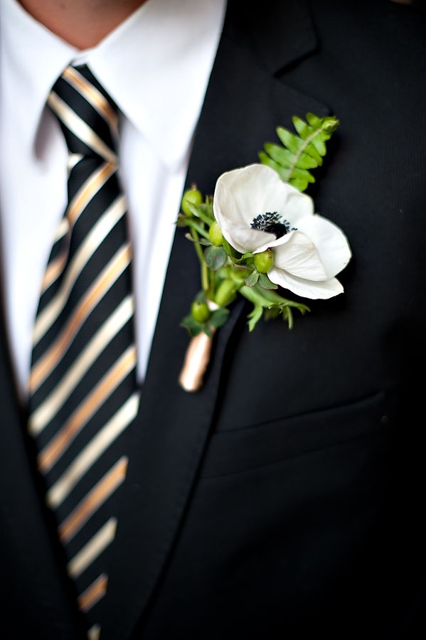 32 groom