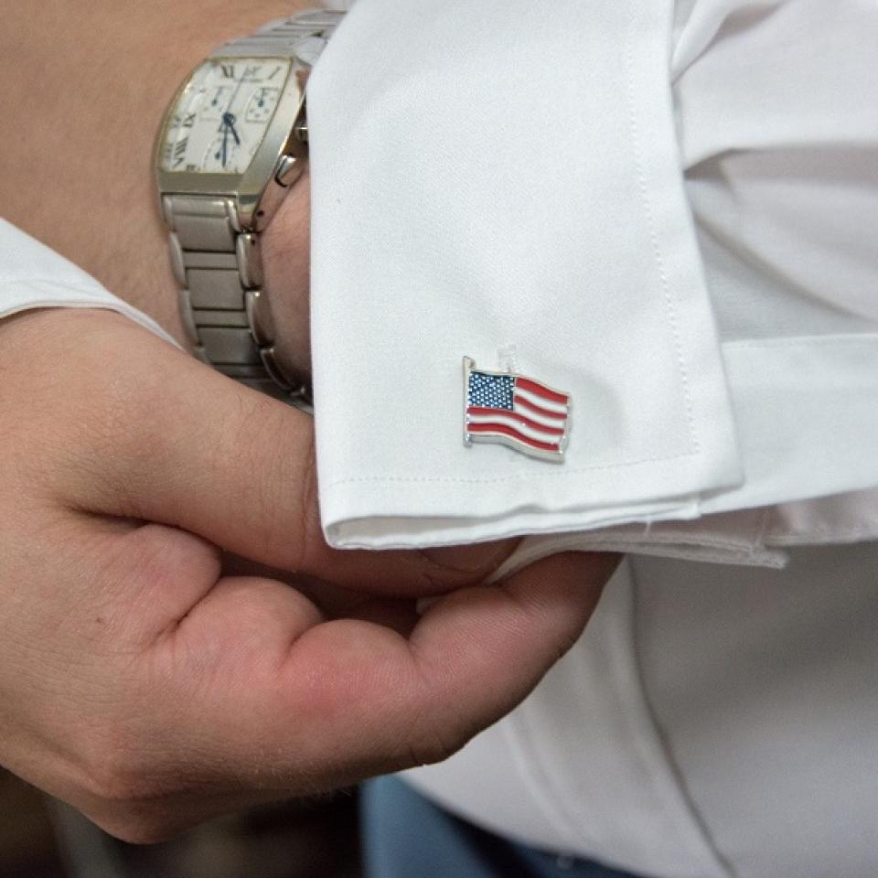 01 American flag cufflinks